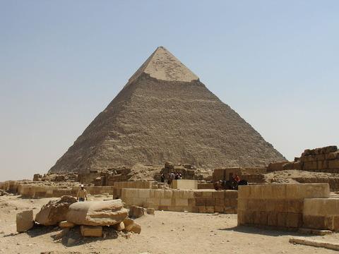 1280px-Khafre's_Pyramid343