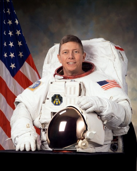 nasa-astronaut-michait-846-p