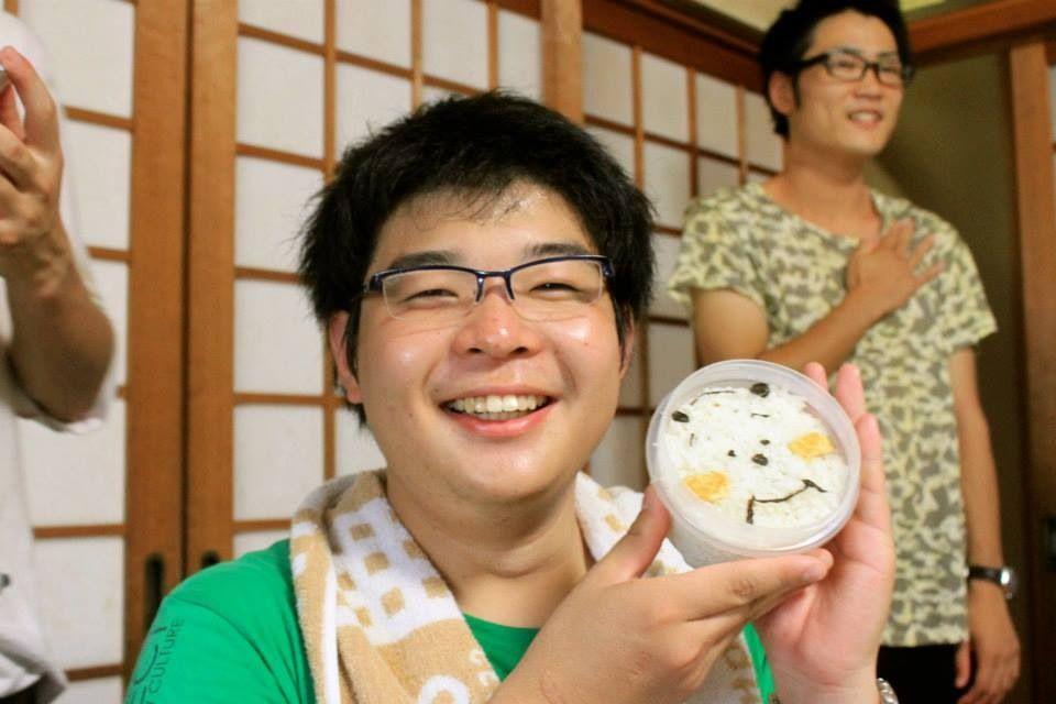 この合宿でも、アピ伝統の似顔絵弁当が(・∀・)つ