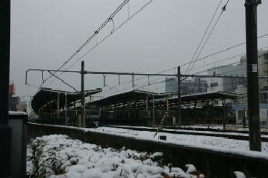 冬の寒い駅で-11%