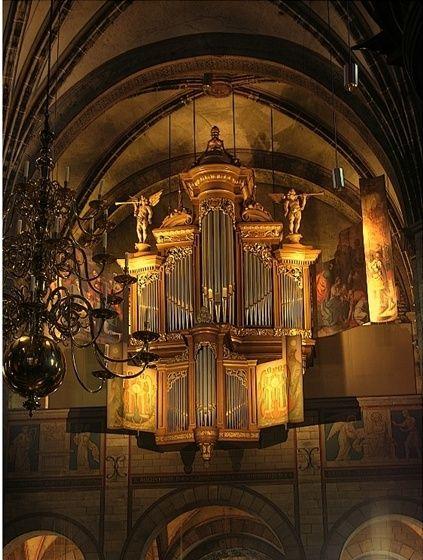 onzelievevrouwkerk orgel