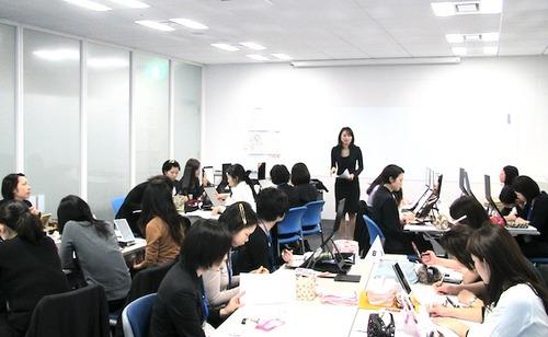 イメージコンサルタントによる新入社員研修。