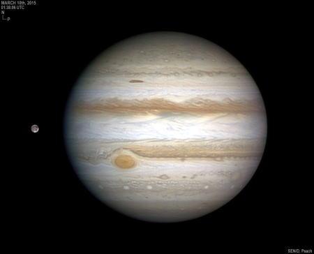 木星とその左に衛星ガニメデ