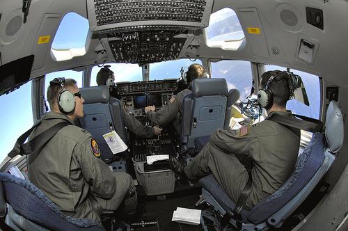 800px-C-17_cockpit_2007-01-19