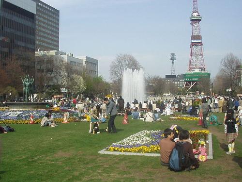 OdoriKoenNishi2chome2004-4