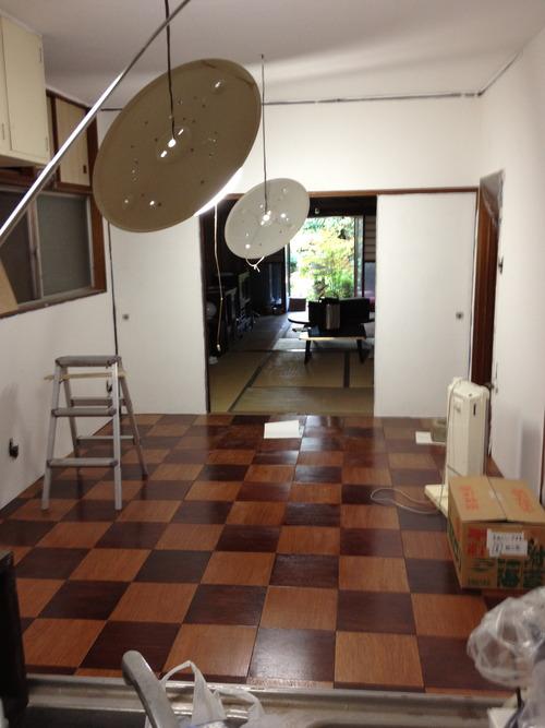 台所の床、輝いています!