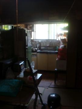 長江の坂の途中の家、中を拝見しました。