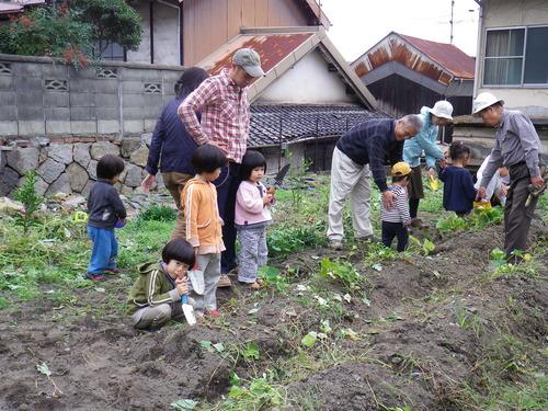 アート教室で、芋掘り大会!