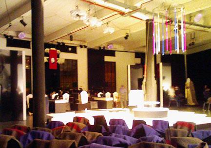 stage_m.jpg