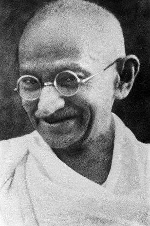 800px-Portrait_Gandhi