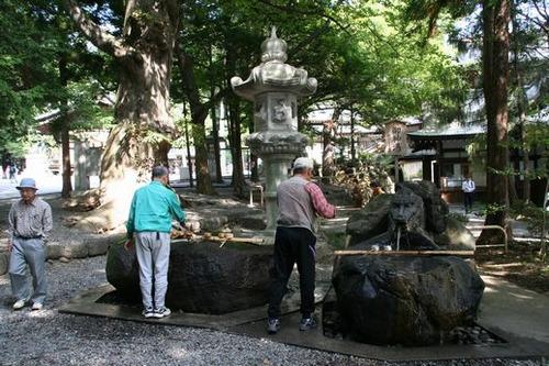 IMG_2585 下諏訪秋宮 温泉の手洗い