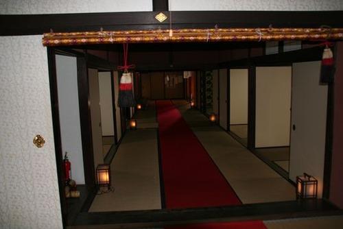 IMG_5913 表玄関から上段の間まで続く畳廊下