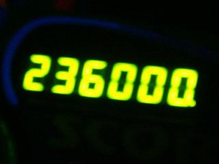 236000