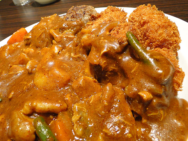 Grandmother Curry with Various Toppings