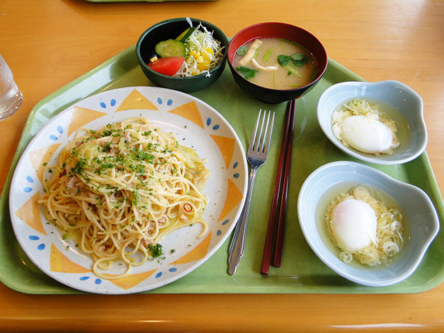 Spicy Tuna and Cabbage Spaghetti with Soft-Boiled Eggs