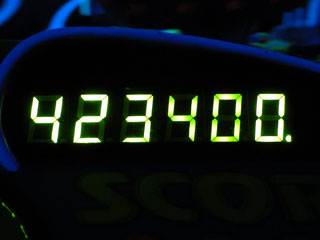 423400