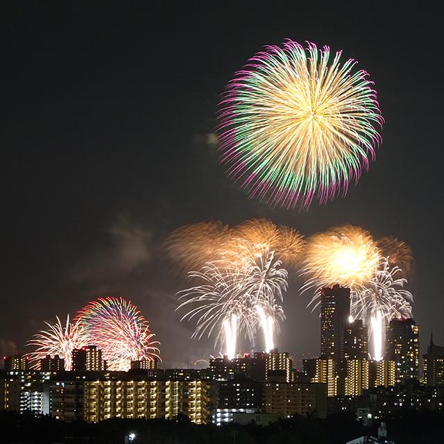 Makuhari Beach Fireworks Festival