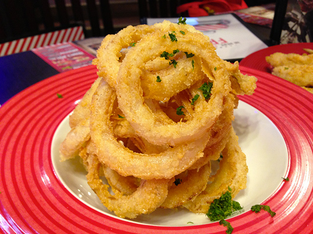 FRIDAY'S ONION RINGS