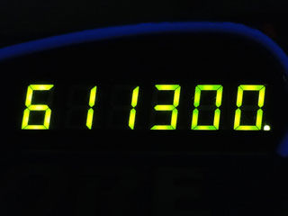 611300