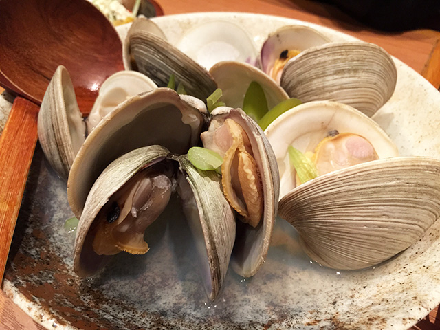 Sake-Steamed Clams