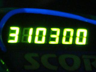 310300
