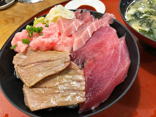 Four Kinds of Tuna Rice Bowl
