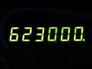 623000