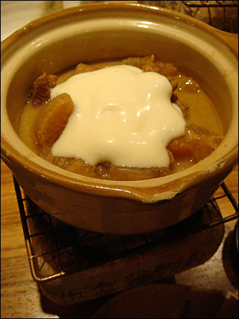 Stewed Fibrous Meat with Cheese