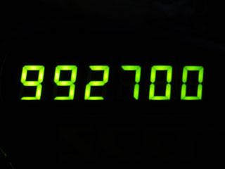 992700
