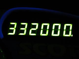 332000