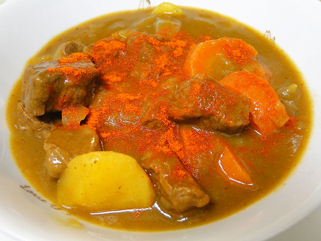 Homemade Low Fat Beef Curry with Cayenne Pepper