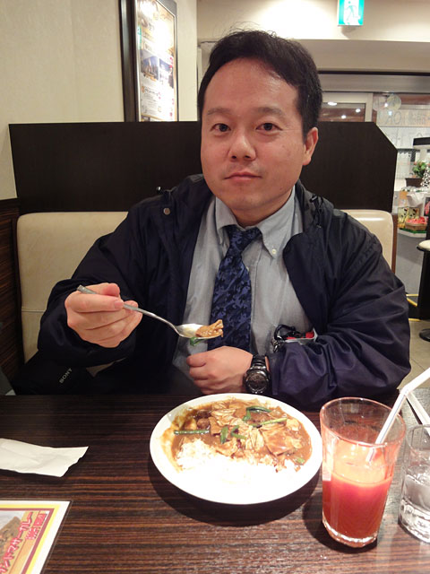 Dr. MaCHO Eating Spicy Giblets Curry