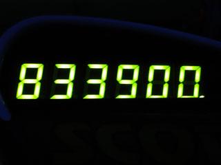 833900