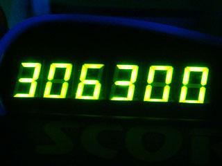 306300