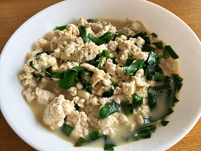 Stir-Fried Minced Chicken Breast with Chinese Chive and Tofu