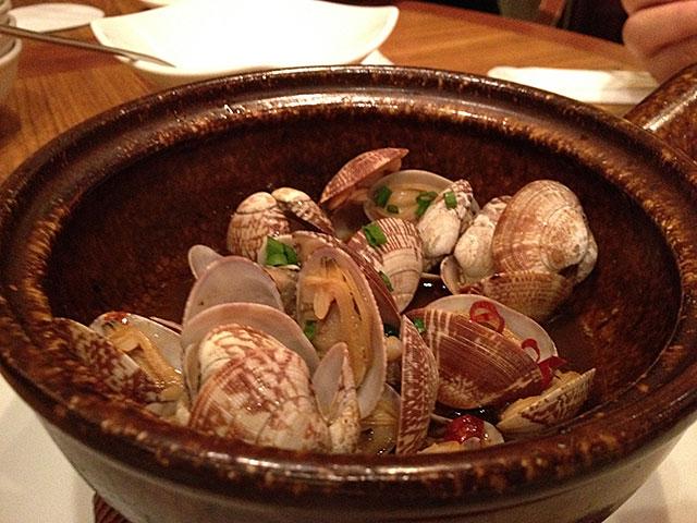 Szechuan-Style Stir-Fried Japanese Littlenecks in Spicy Sauce