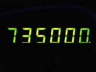 735000