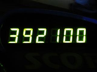 392100