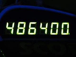 486400
