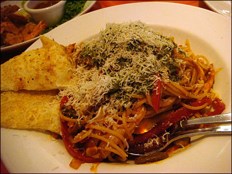 Spicy Chicken and Tomato Pasta