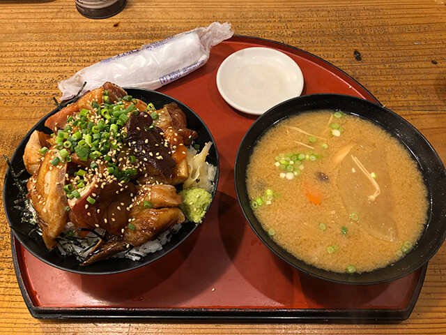 Seasoned Seafood Rice Bowl and Miso Soup
