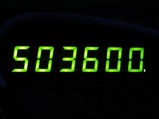 503600