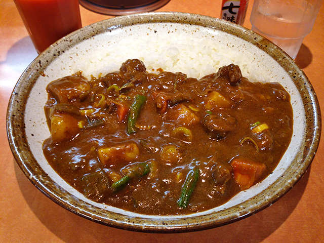 Half Order Beef Curry with Beef Tendon and Vegetables