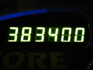 383400
