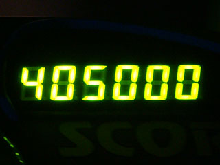405000