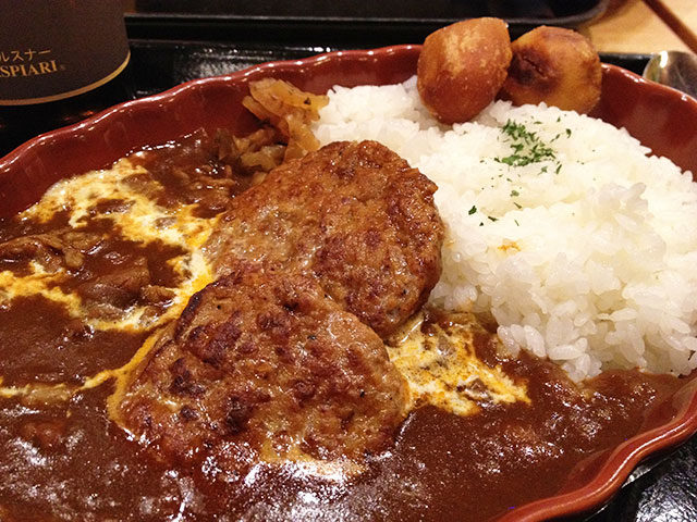 Beef Curry with Hamburgers