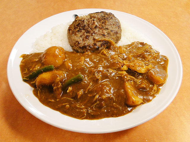 Stewed Chicken Curry with Hamburger and Vegetables