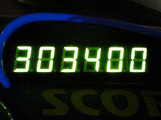 303400