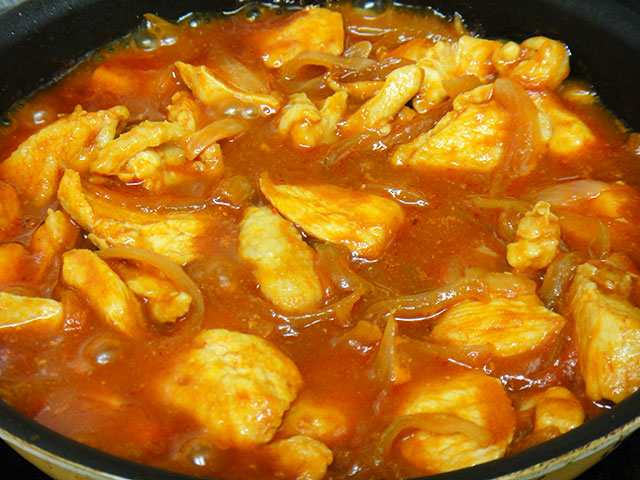 Stewed Chicken with Ketchup Sauce
