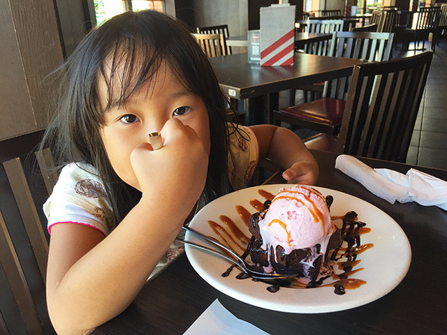 Daughter MaCHO Eating BROWNIE OBSESSION